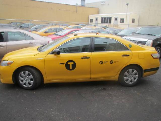 2010 toyota camry hybrid sedan taxi for sale 5500 queens nyc new york city new york ads. Black Bedroom Furniture Sets. Home Design Ideas