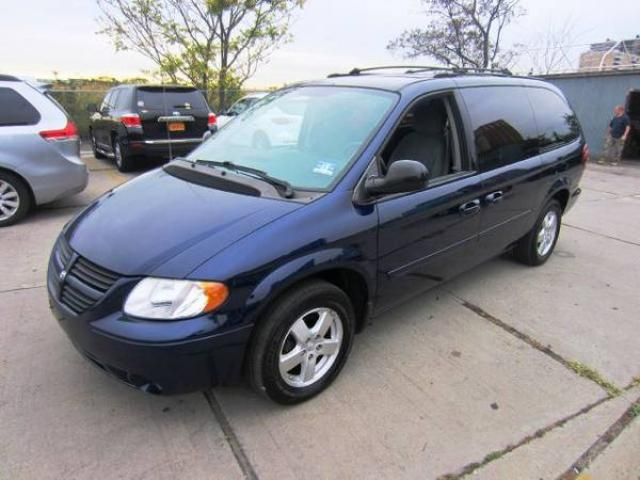 for sale 2005 dodge grand caravan sxt stow n go tv dvd alarm 5400 brooklyn nyc new york. Black Bedroom Furniture Sets. Home Design Ideas