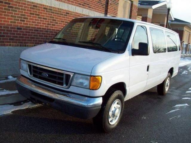 2007 ford econoline e350 xlt superduty 12 passenger van for sale cheap 6500 brooklyn nyc. Black Bedroom Furniture Sets. Home Design Ideas