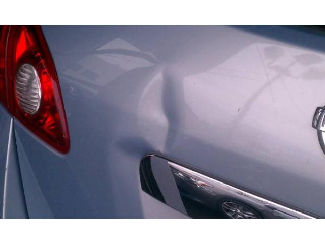 Dings And Dents >> Paintless Dent Repair Service Art Of Removing Small Dings