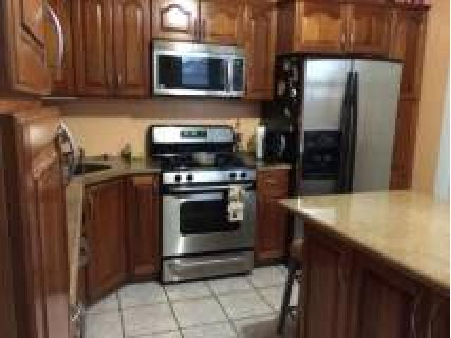 2100 3br 3 Bedroom Apartment For Rent First Floor Near To J Train Richmond Hill Nyc