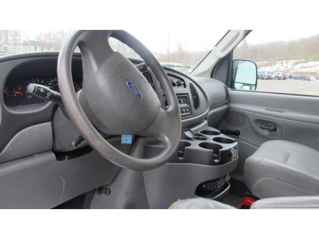 2006 Ford E350 12 Penger Van For