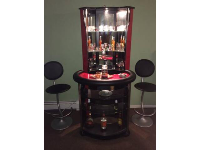 Pc corner bar set with chairs for sale  howard