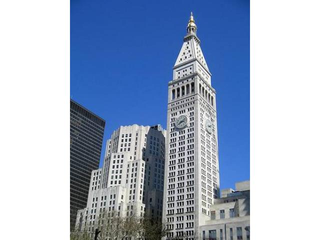 The Clocktower Restaurant Now Hiring ASSISTANTS SERVERS KITCHEN SERVERS!    (Flatiron, NYC)