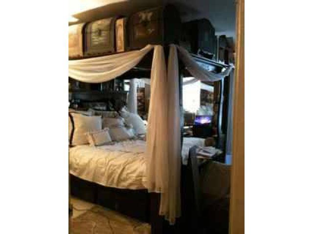 Vintage Platform Mirrored Canopy Bed For Sale