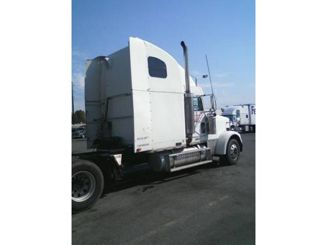 2000 freightliner fld xl truck for sale 15000 shirley ny shirley new york ads. Black Bedroom Furniture Sets. Home Design Ideas